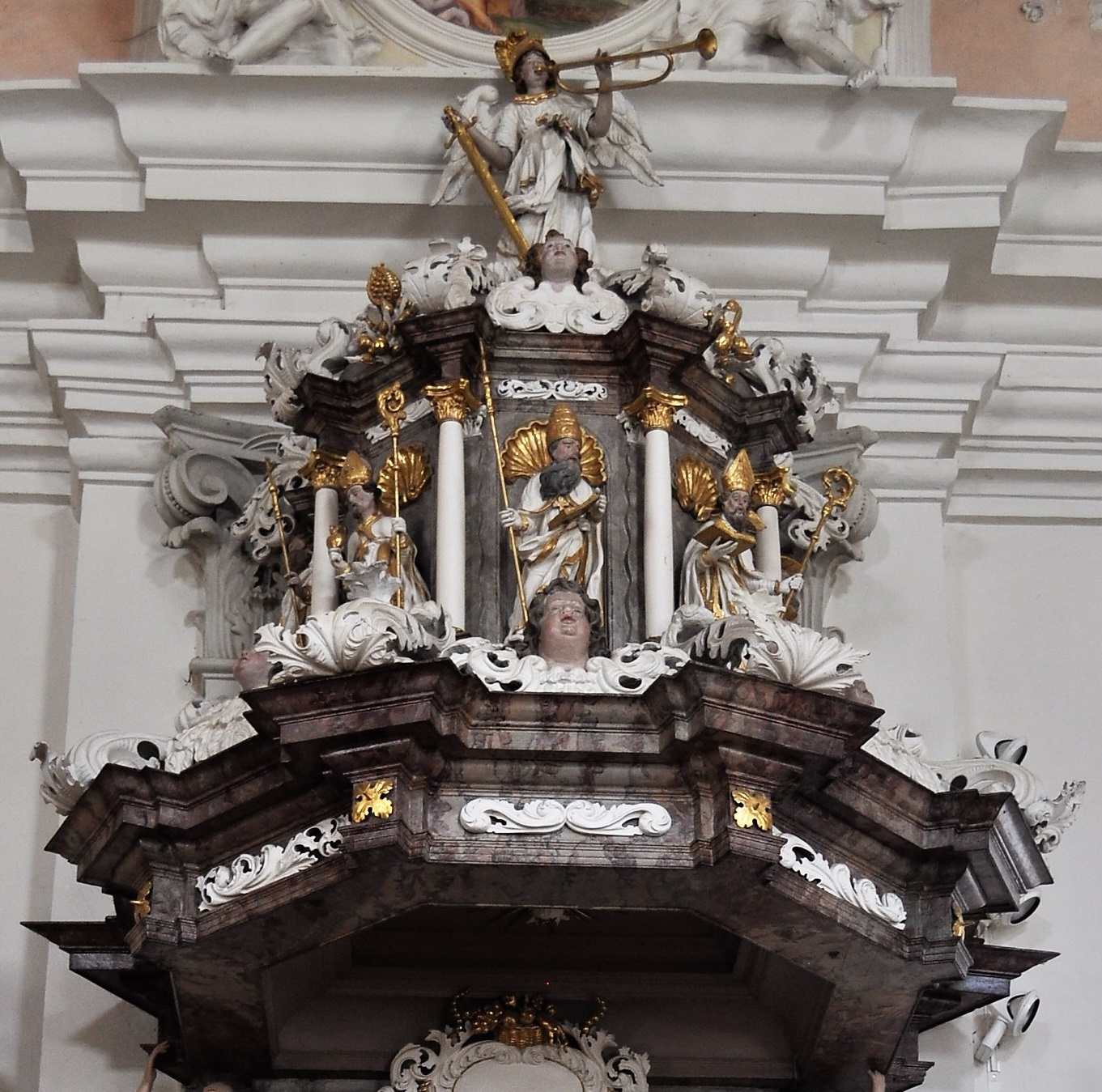 Schalldeckel der Kanzel (Johannes der Täufer, Kirchenväter, Erzengel Michael)